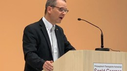 Tobias Specker