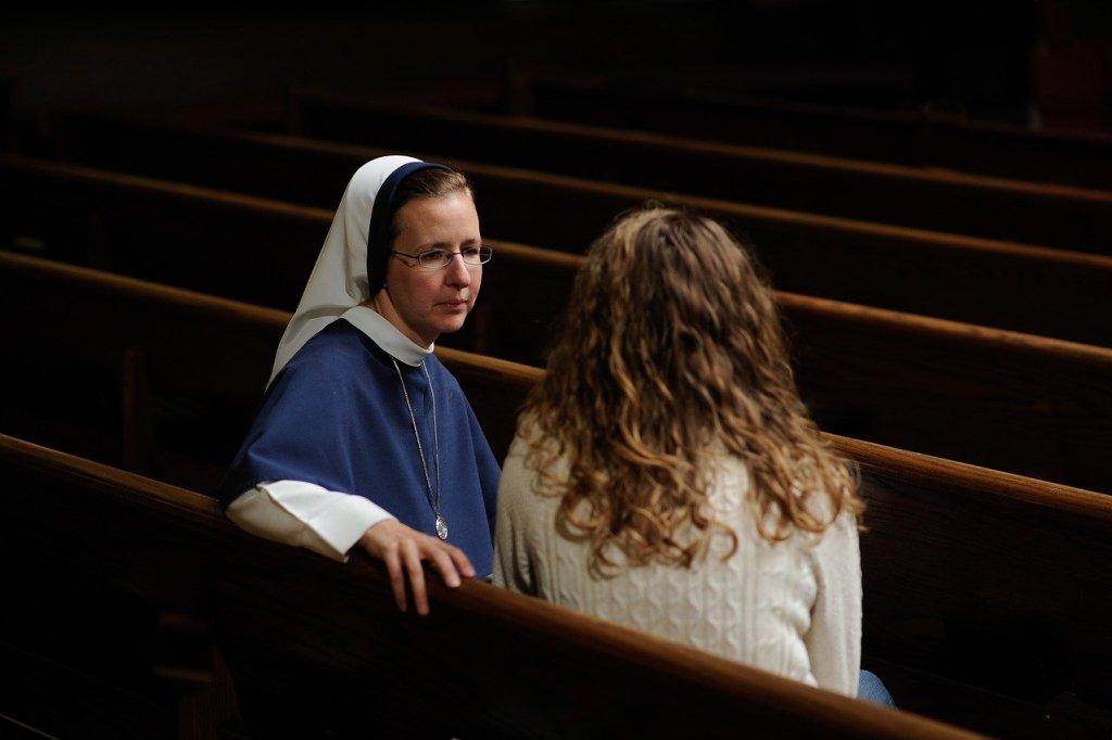 """Frauen sollten sich in allen Bereichen der Kirche einbringen können. So lautet die Botschaft einer Streaming-Konferenz der Organisation """"Voices of faith"""" zum Weltfrauentag (Montag). Ordensfrauen aus aller Welt forderten Gehör und Gerechtigkeit."""