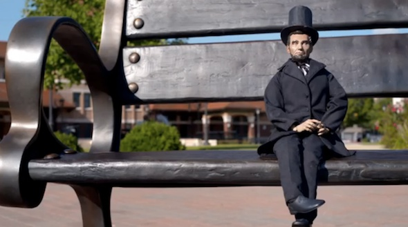 Mini Abe der offizielle Ambassador für Die Fremdenverkehrswerbung für Illinois