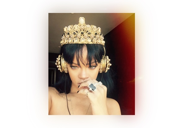 Rihanna wearing D&G crown