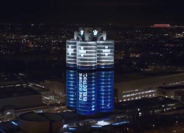 On December 18, 2017 the BMW headquarters in Munich lit up in a new light to demonstrate it's designed for electric driving pleasure.