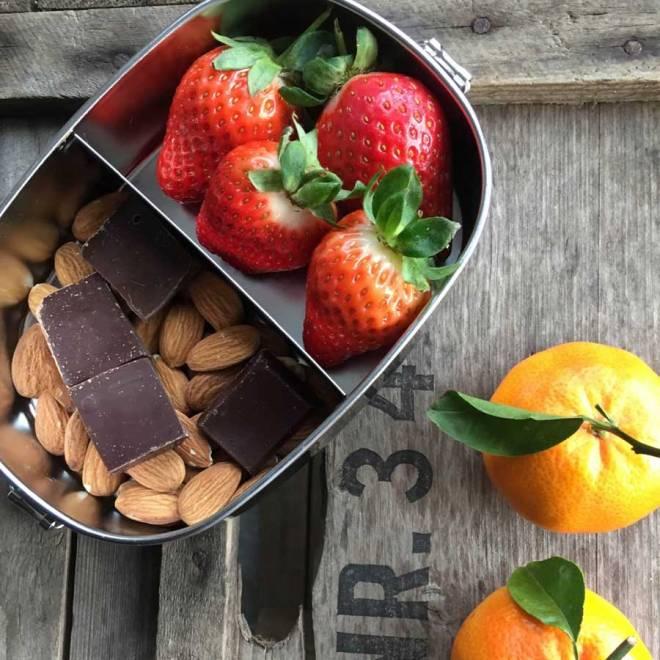 Bento-small2-Erdbeeren und Schokolade