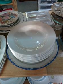 Looks like it! Plain restaurant ware.