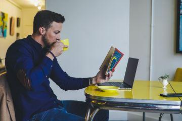 L'ús de l'ordinador en gent de mitjana edat pot ajudar a prevenir el deteriorament cognitiu lleu