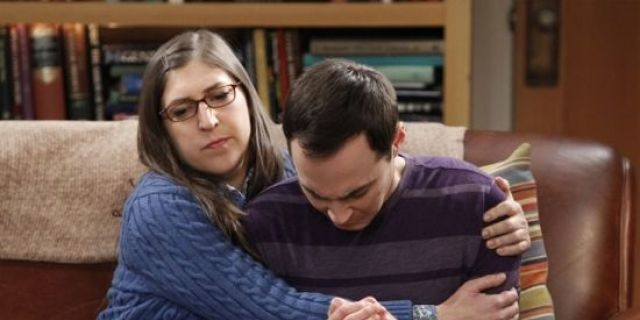 the-big-bang-theory-does-sheldon-sleep-with-amy-640x320