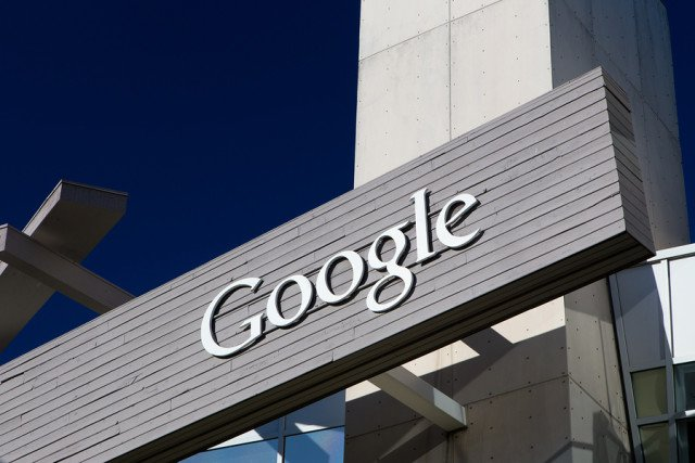Google to compete with Facebook messenger by releasing an artificial intelligence