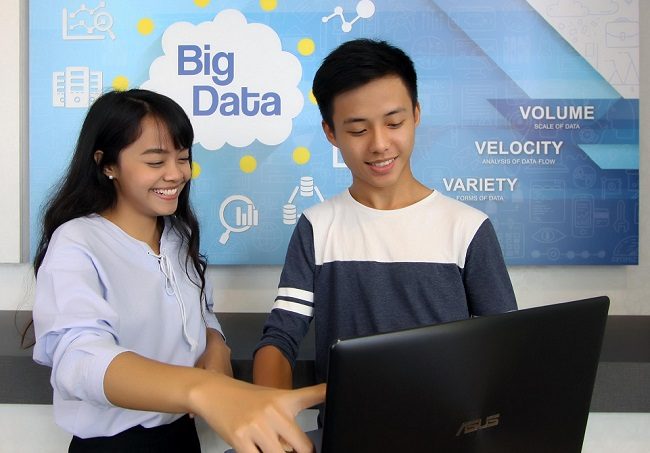 Temasek Polytechnic and Cloudera in data science pact
