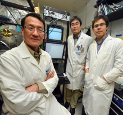 The image shows Dr. Lin Mei , Drs. Yongjun Chen and Chengyong Shen; the researchers involved in this study.