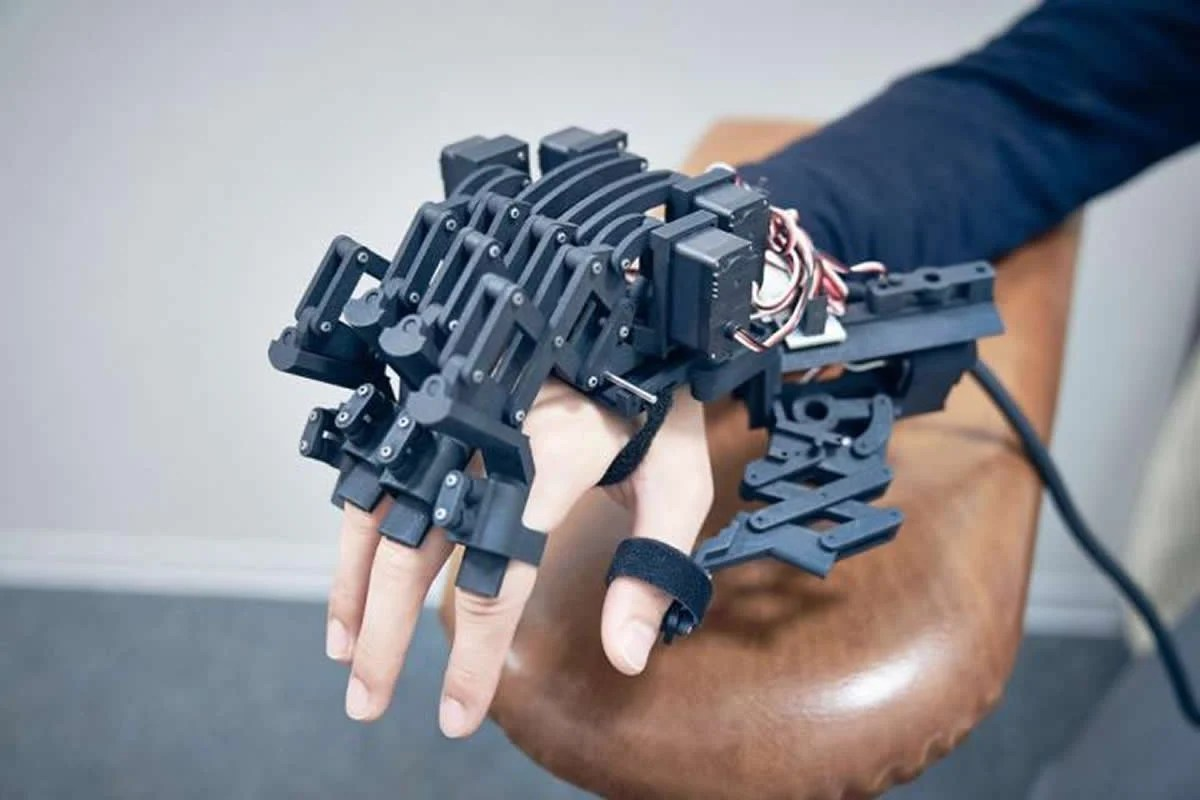This shows the hand exoskeleton