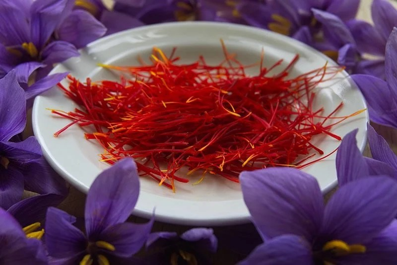 This shows a bowl of saffron