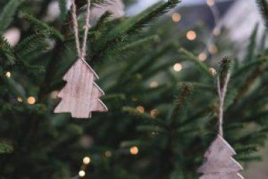 Christmas tree | neveralonemom.com
