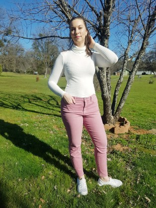 White rolled neck top from Shein spring fashion |neveralonemom.com