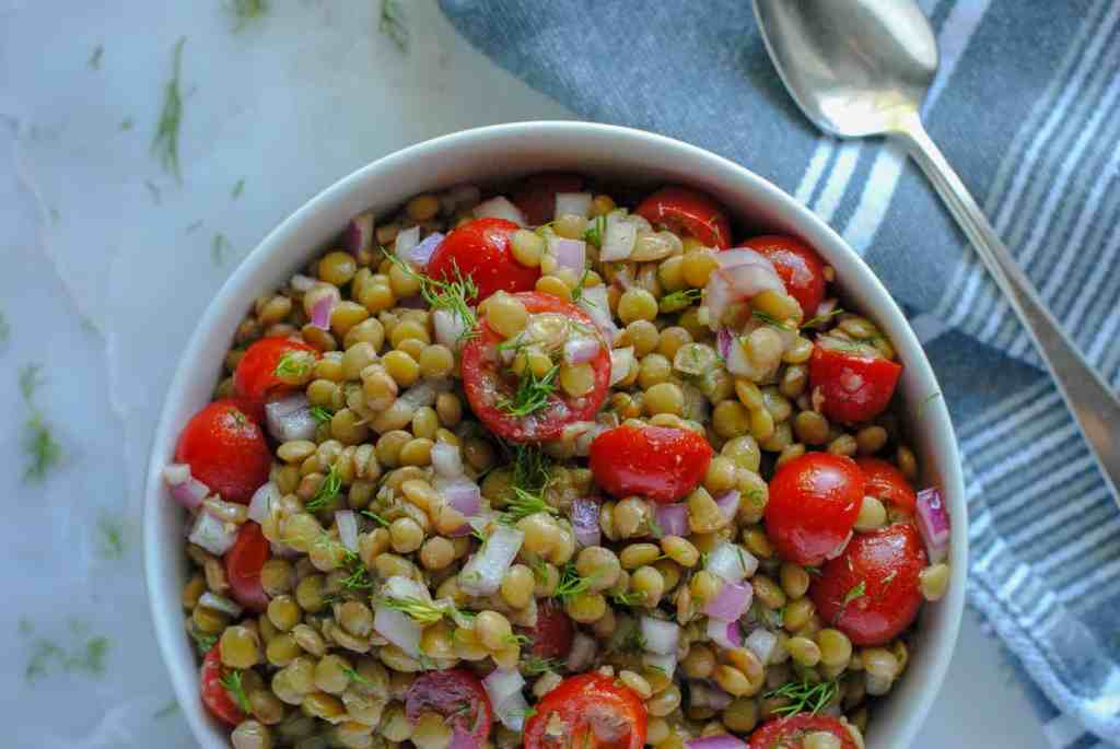 lentil salad with tomatoes and dill