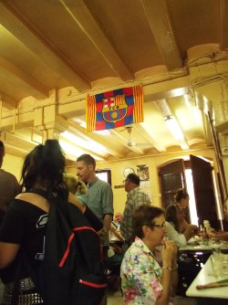 Local food and people - Time for the best restaurant in Barcelona! - La Cova Fumada