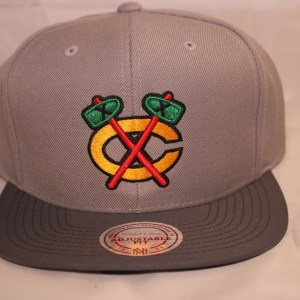 Mitchell and Ness NHL Chicago Blackhawks Grey Mega Snapback Cap