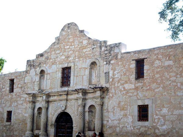 San-Antonio-Texas-Travel-Guide-from-NeverEndingJourneys.com_