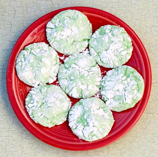 Green Crinkle Cookie Recipe at NeverEndingJourneys.com