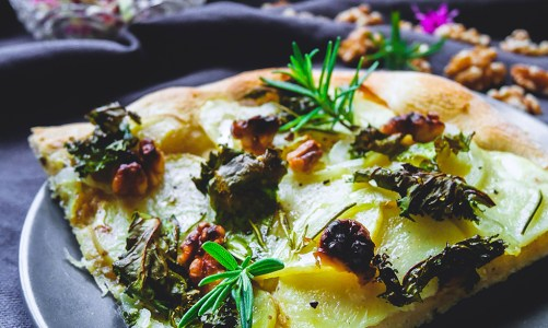 Potato, Kale & Walnut Pizza