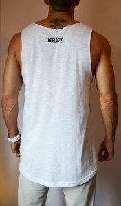 TB0964 camiseta de tirantes blanca corte laser trasera