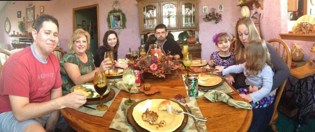 Family on Thanksgiving