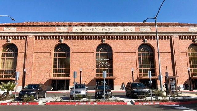 Sacramento train station | NevertoOldtoTravel.com | Gary House