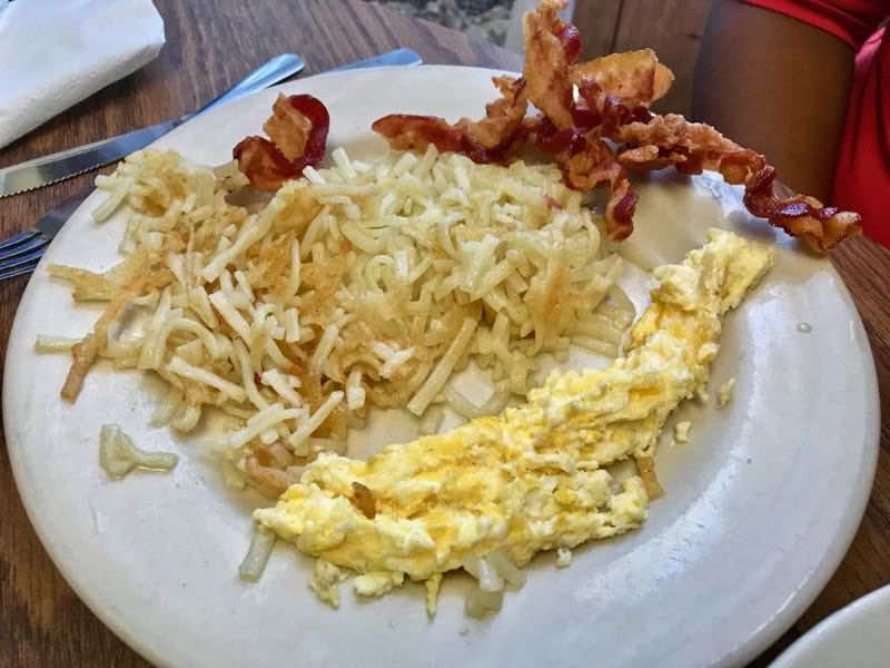 Scrambled eggs, hashbrowns and bacon | nevertooldtotravel.com | Gary House