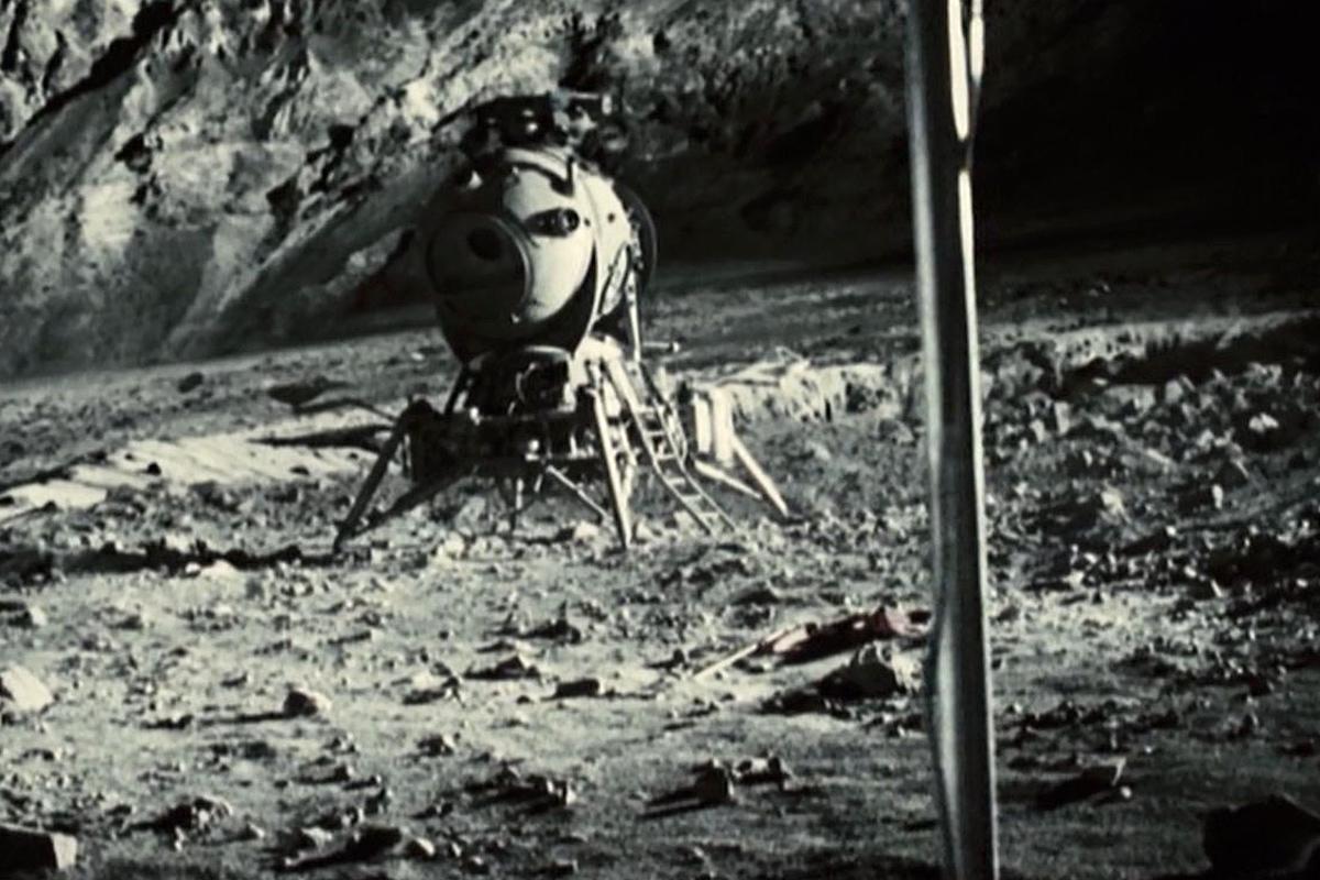 Apollo 18 scene
