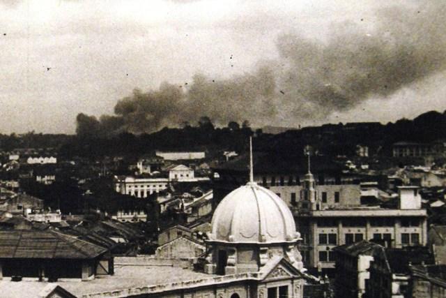 Singapore air raid