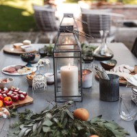 Fall Entertaining Made Easy: An Outdoor Evening With Friends