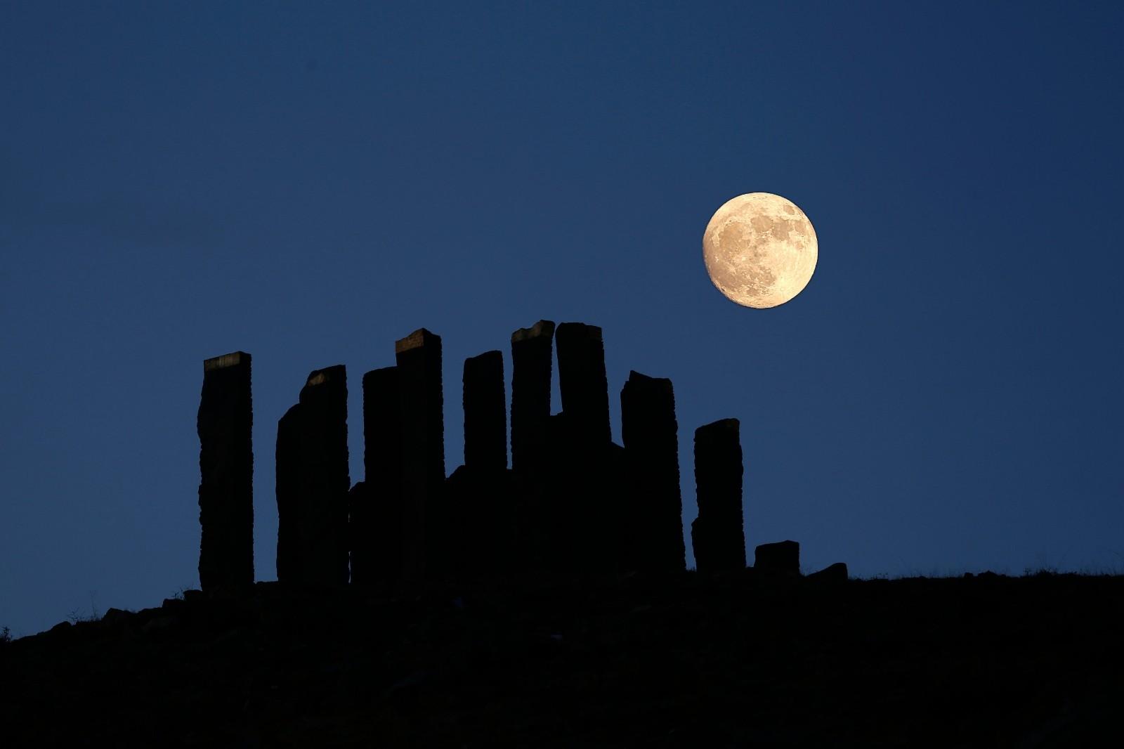 """Kapadokya'da """"Süper Ay"""" görsel şölen yaşattı"""