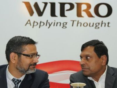 Wipro ex CEO T.K Kurien and current CEO Abid Ali Neemuchwala