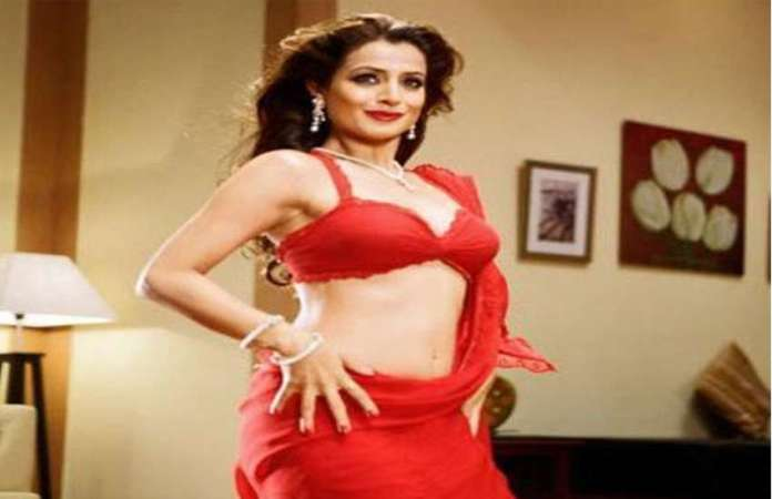 amisha-patel-new-video-got-viral
