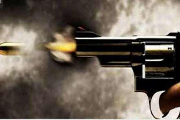 Police Encounter In Pratapgarh Two Criminal Arrested - प्रतापगढ़ में  मुठभेड़, दो बदमाश गिरफ्तार, ग्रामीण को भी लगी गोली | Patrika News