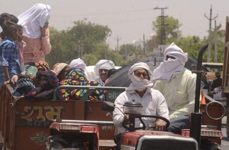 Temperature Crosses 45 Degrees, People Are Helpless To Heat - Bharatpur  News तापमान 45 डिग्री पार, लोग गर्मी से बेहाल | Patrika News