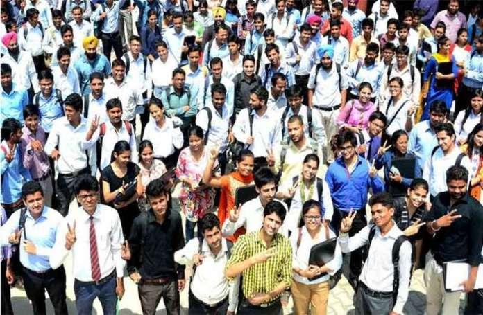Govt Job: केंद्र सरकार का बेरोजगारों को तोहफा, हजारों नहीं लाखों को मिलेगी नौकरी