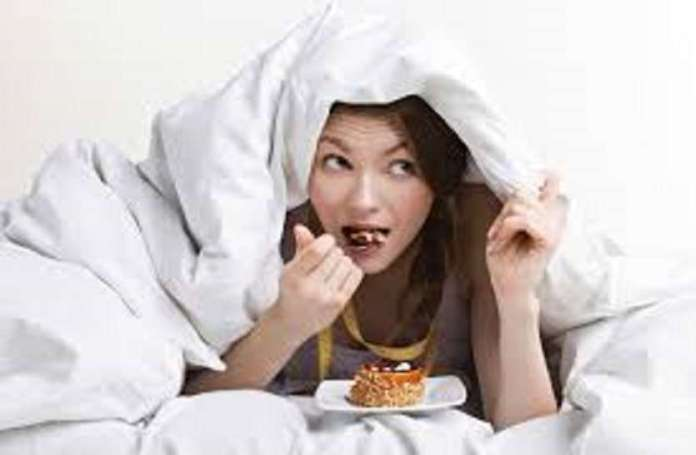 रात में खाली पेट सोने से भी हो सकती है कई तरह की परेशानी