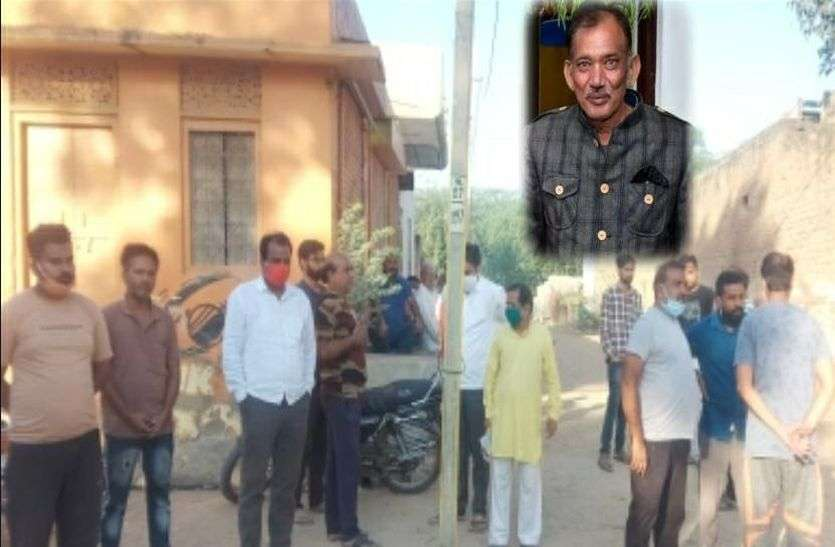 Tea selling elderly man attacked with stones, son injured, huge outrage in society