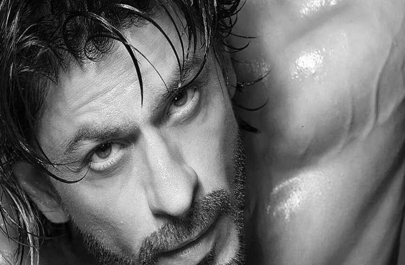 ShahRukh Khan poses shirtless for Dabboo Ratnani's 2021 calendar shoot
