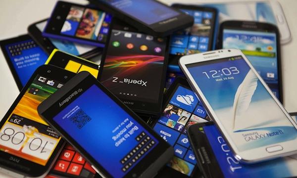 Рынок смартфонов растет на фоне падения продаж других мобильных устройств