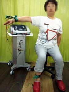 微弱電流治療器の全身通電