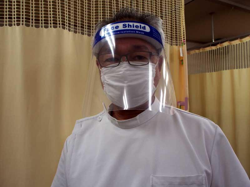 フェイスシールドでウイルス感染予防。