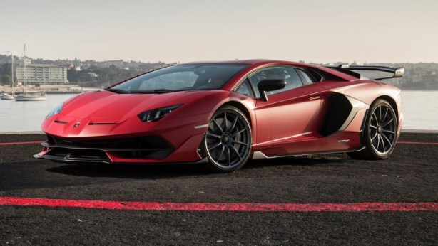 2021 Lamborghini Aventador with new exterior styling