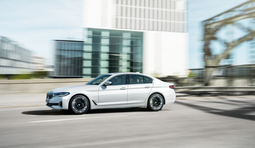 2021 BMW 5-Series has better performance with new engine system