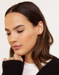 modern-citizen-14k-gold-curved-bar-cuff-earrings-earrings-one-size-14k-gold-vermeil-3