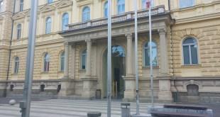 Univerza v Mariboru zaposluje!