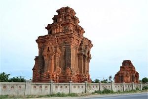ホア・ライ塔 (Tháp Hòa Lai)