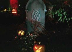 Haunt with No Name Yet tombstone