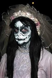 La Llarona, one of the ghosts haunting Dia De Los Muertos at Knotts Scary Farm