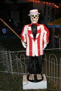 boney island skeleton hawker