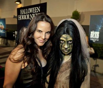 Kate del Castillo and La Llorona on the red carpet at the Eyegore Awards, preceding Halloween Horror Nights 2012